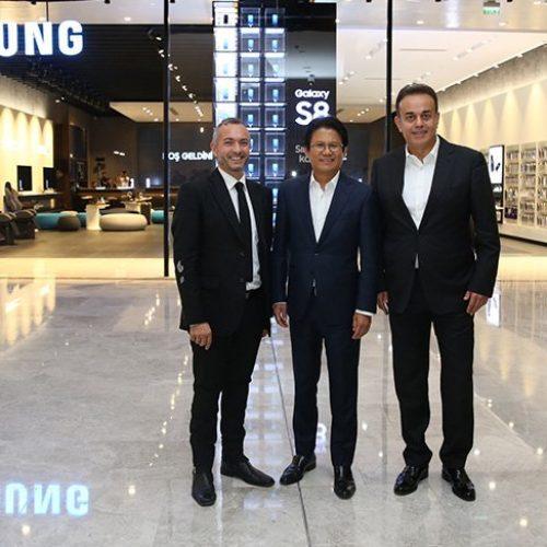 Samsung Deneyim Mağazası'nı İstanbul'da açtı