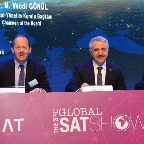 Türksat 5A ve 5B Uyduları için İmzalar Atıldı