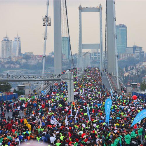 Vodafone 39. İstanbul Maratonu'nda Kıtalar Çocuklar İçin Birleşti
